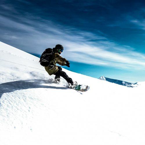 anton-guides-snowboard-guiding