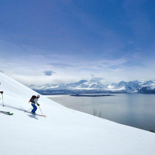 ski-touring-lyngen-norway-sorbmegaisa